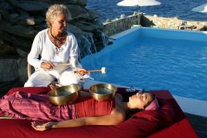 Petra Zurek - masaż dźwiękiem naświeżym powietrzu.